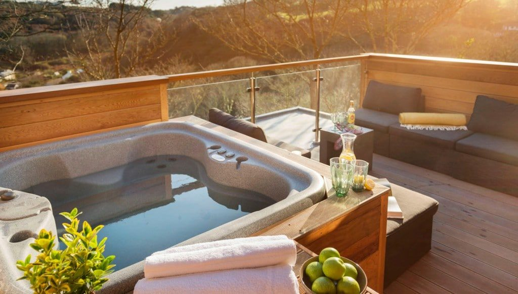 Dog friendly cottages with hot tubs in Cornwall