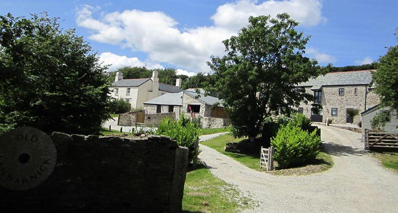 Review: luxury dog friendly cottages at Old Lanwarnick near Looe