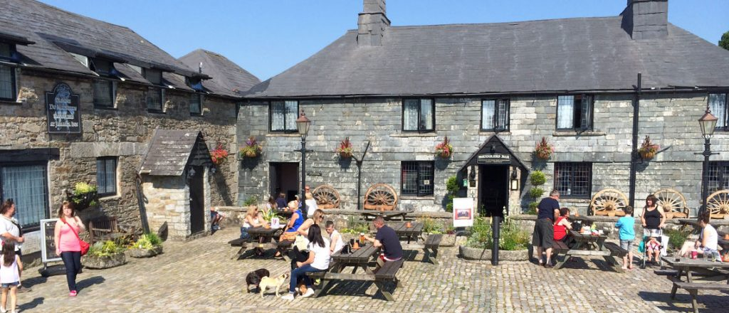 Jamaica Inn, dog friendly days out in Cornwall