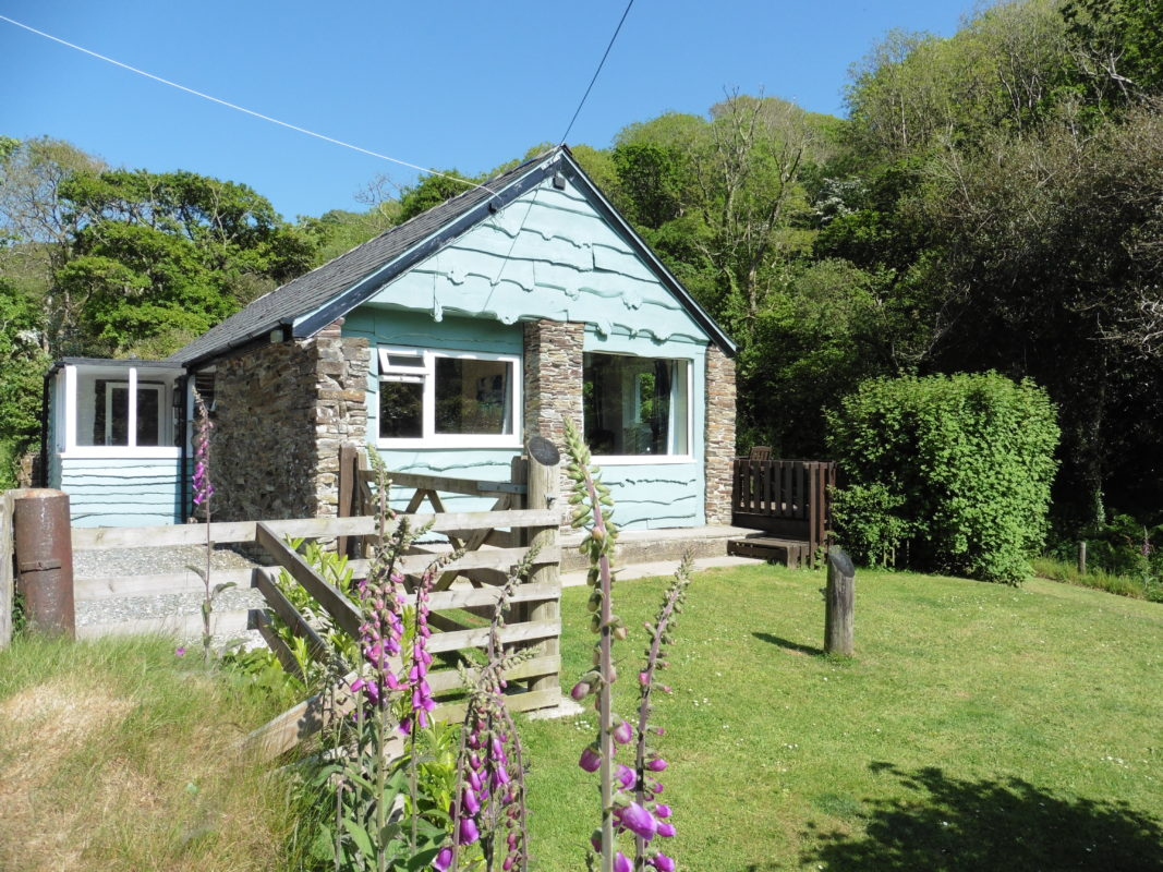 listed holiday is farmhouse with cottages grade in superbly cornwall a for guests england trencreek accommodation ii appointed detached